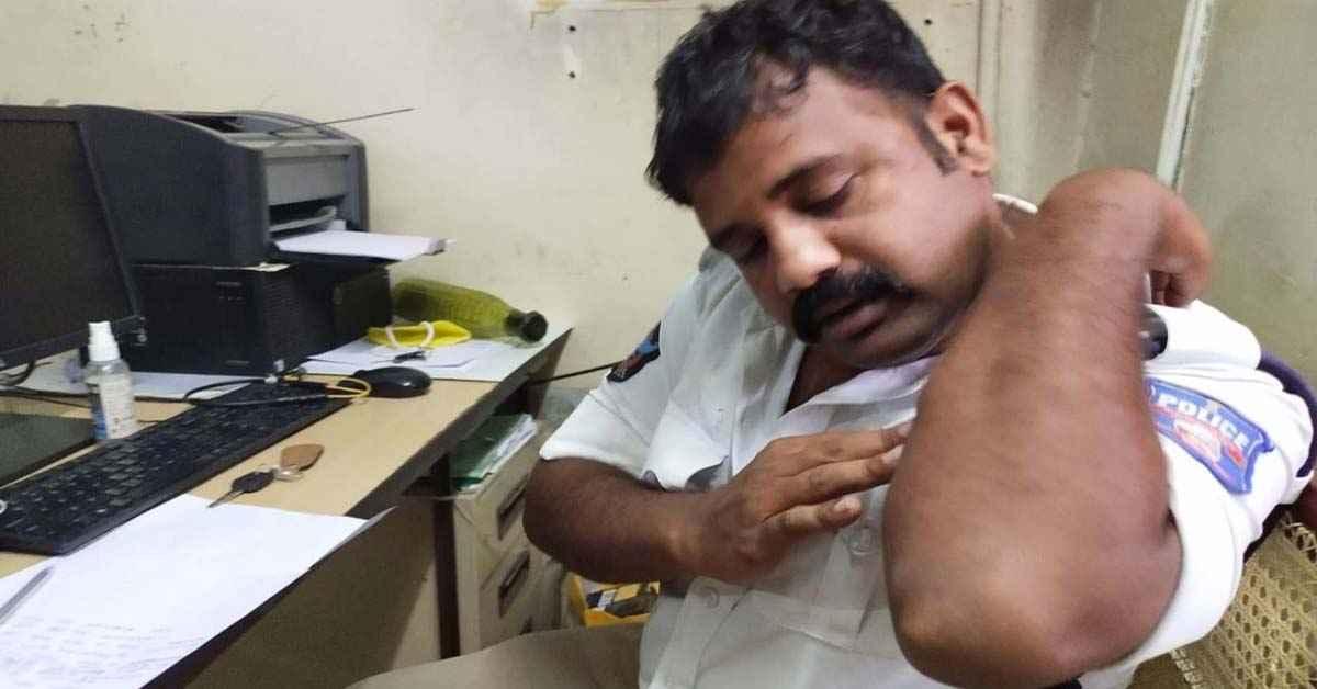 man attacks on traffic police