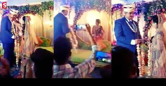 Bride Starts Playing 'Kabaddi' On Stage - Suman TV