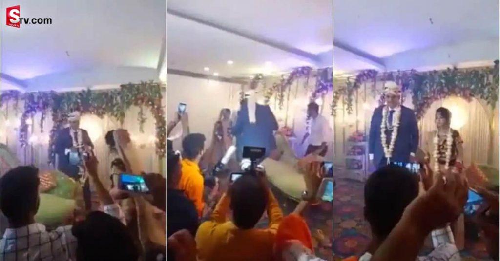 Bride Playing Kabaddi min