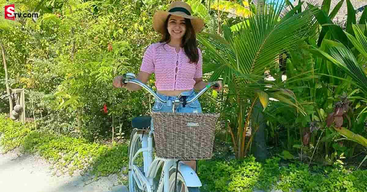 Heroine Samantha Weekend Goa Trip With Her Friend Pics Viral -Suman TV