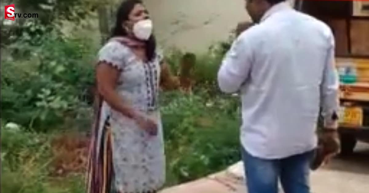 Lady Get Into A Fight With Homeo Doctor Over Extra Marital Affair In Nellore Goes Viral - Suman TV