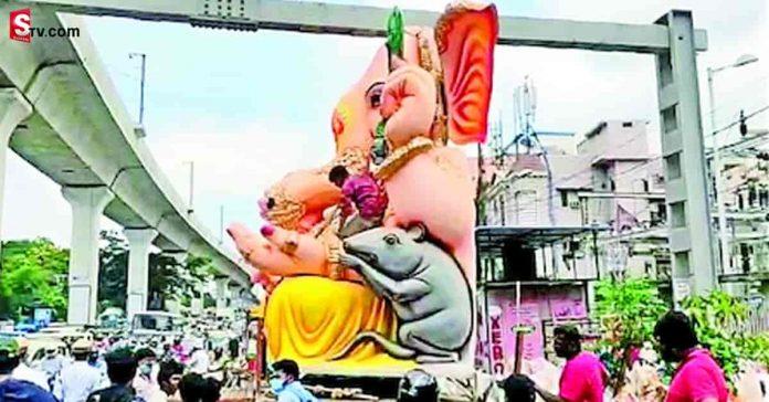 Small idea solves big problem at Erragadda Lord Ganesh - Suman TV